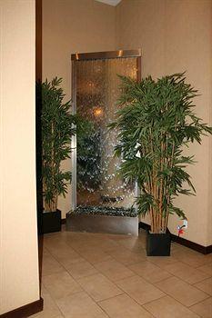 - Hilton Garden Inn Tribeca