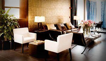 - Hotel East Houston