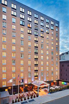 - Holiday Inn Express - Madison Square Garden