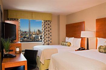 - Holiday Inn Manhattan 6th Avenue