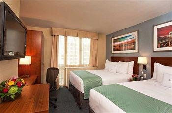 - DoubleTree by Hilton Hotel New York - Times Square South