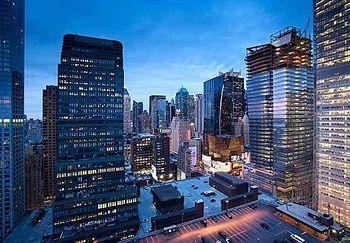 - Fairfield Inn by Marriott New York Manhattan/Times Square