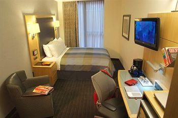 - World Center Hotel