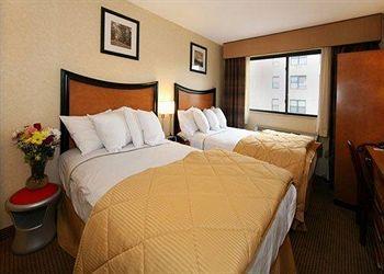 - Comfort Inn Lower East Side