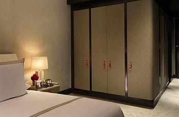 - The Chatwal, A Luxury Collection Hotel