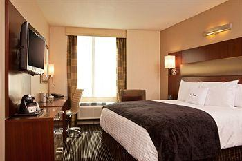 - DoubleTree by Hilton New York City - Financial District