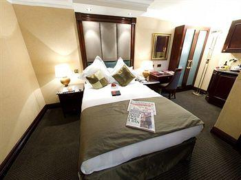 - The Shaftesbury Premier London Paddington