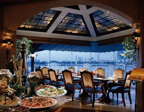 Choice2 - Sheraton Dubai Creek Hotel & Towers