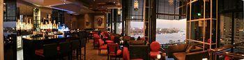 - Radisson Blu Hotel, Dubai Deira Creek
