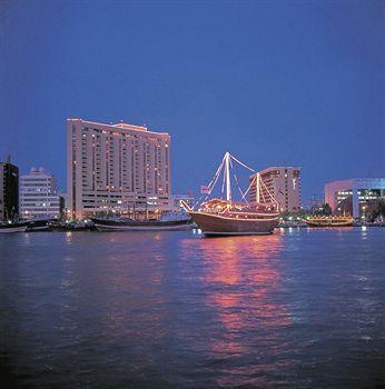 Exterior - Radisson Blu Hotel, Dubai Deira Creek