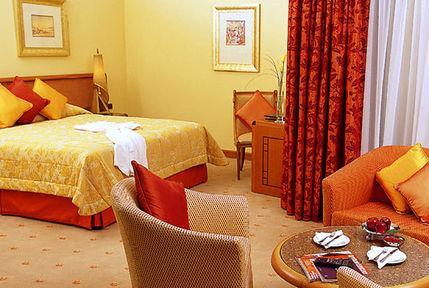 Guestroom - Le Royal Meridien Beach Resort And Spa