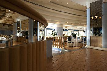 - Le Royal Meridien Beach Resort And Spa