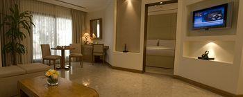 - Dubai Marine Beach Resort & Spa