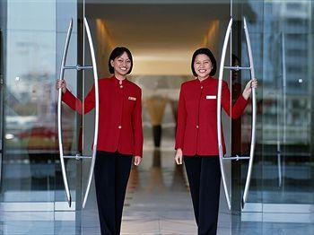 - Shangri-La Hotel Dubai