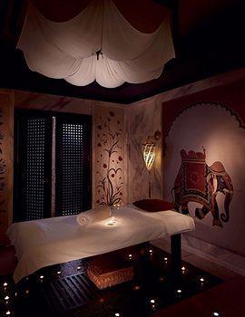 - Radisson Blu Hotel, Dubai Media City