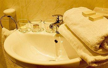- Leisure Inn Hotel