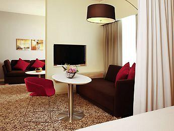 - Suite Novotel Mall Of The Emirates