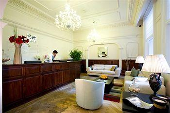 - London Guards Hotel