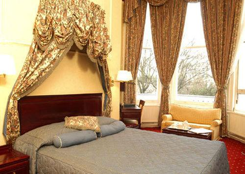 Guestroom - Grange Strathmore