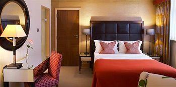 - The Mandeville Hotel