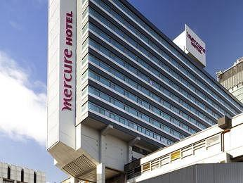 - Mercure Manchester Piccadilly Hotel