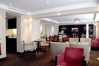 - Crowne Plaza Manchester Airport
