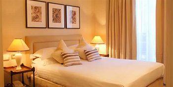 - Park Lane Mews Hotel