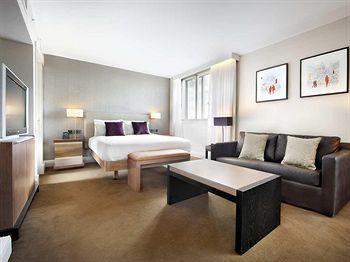 - Hilton Leeds City Hotel