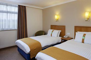- Holiday Inn Leeds Garforth